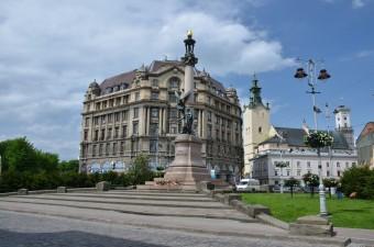 Памятник Адаму Мицкевичу Львов