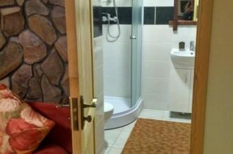 Cheremosh_bathroom